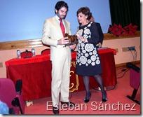 Salvador Vega recoge el trofeo al triunfador y el cariño de la afición torralbeña