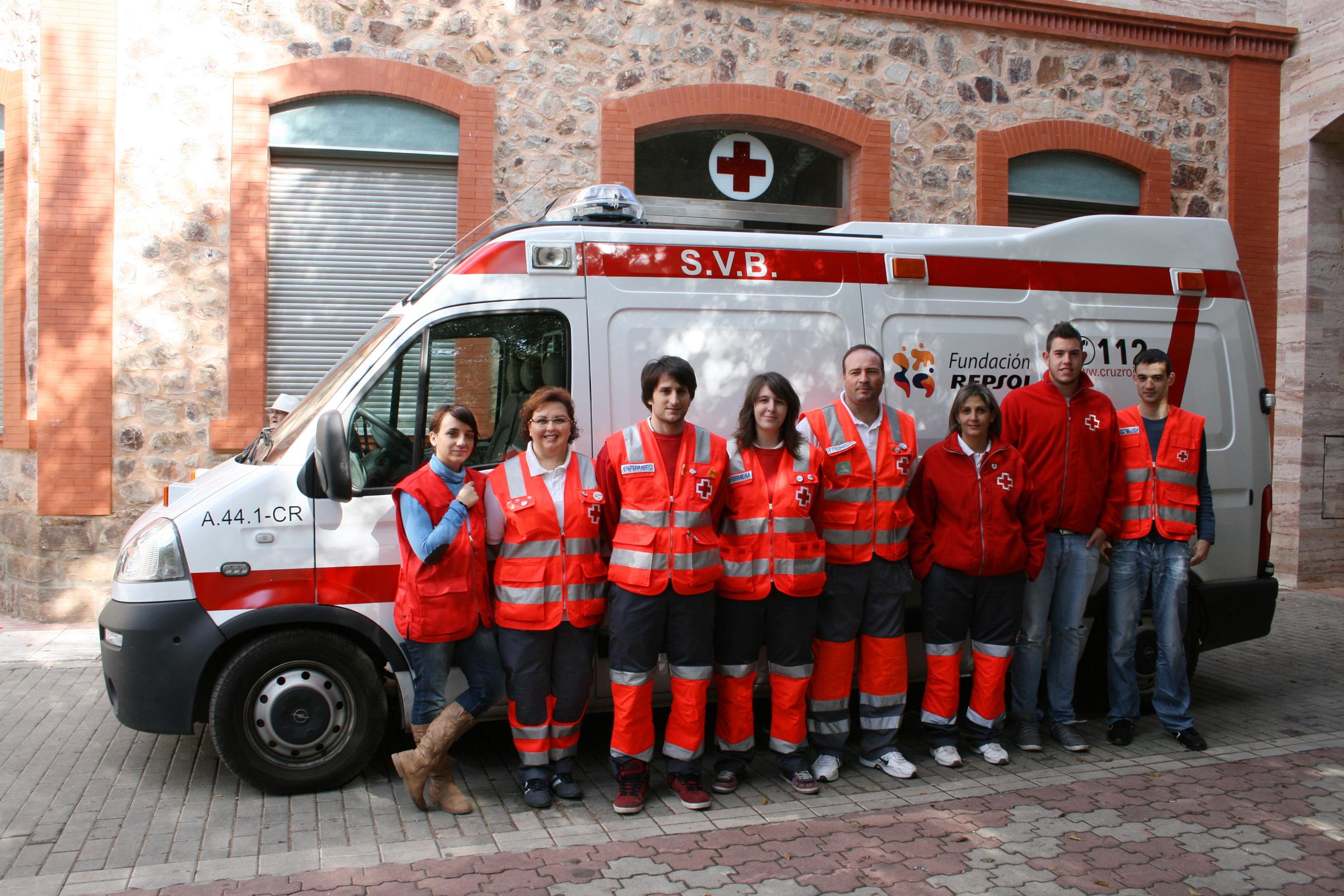 Los voluntarios de cruz roja puertollano ultiman los preparativos para repartir ilusi n y - Mcdonald s puerto de la cruz ...